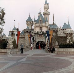 Disneyland, Anaheim, Dec. 1966 | Flickr - Photo Sharing!