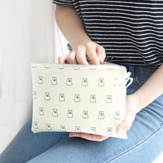 Gunmangzeung Ghost pop cute illustration zipper pouch large by Gunmangzeung. The Ghost pop pouch(L) is a very useful and well made large sized zip pouch. Big Bags, Small Bags, Cute Illustration, Zipper Pouch, Pop, Popular, Small Tote Bags, Pop Music, Mini Bag