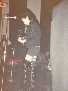 80s Goth, Punk Goth, Goth Bands, Goth Music, Trent Reznor, Stuff Stuff, Slogan Tshirt, Riot Grrrl, New Romantics