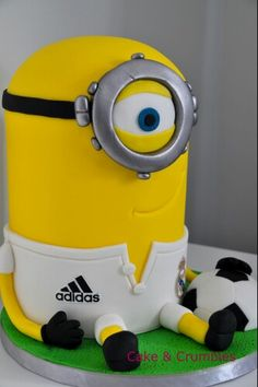 Minion voetbal taart Reaal Madrid. Cake&Crumbles