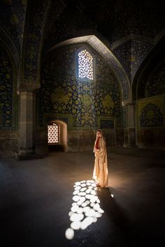 Iranian beauty at the Jameh Mosque of Isfahan.