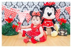 """Come take your pick, Classic Red Minnie Mouse ❤️  """"Welcome to my new bow-tique. Where each and every bow's unique. If fun and fashion are what you seek. Come inside and take a peek""""   #portraitsbyiBaby follow us on instagram: @ibabyphotography ibabyphotography@yahoo.com www.ibabyphotography.com"""
