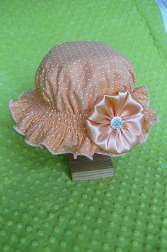 kristina07 / Oranžový klobúčik s bodkami