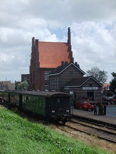 Medemblik station (by pingwynne)