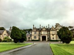 Muckross House in Killarney, Co Kerry Ireland Map, Garden Waterfall, Emerald Isle, Beautiful Places In The World, Glamping, Dublin, Trip Planning, Places Ive Been, Things To Do