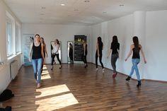 Laufstegtraining beim modelschool Workshop der modelschool Österreich Workshop, Models, Marketing, Promotion, Training, Templates, Atelier, Work Shop Garage, Work Outs