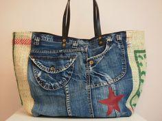 Artisanats Denim, Burlap Coffee Bags, Denim Crafts, Recycle Jeans, Fabric Bags, Refashion, Jute, Farmer, Purses And Bags