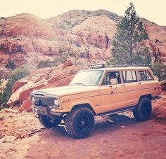 Jeep Wagoneer.  #MastodonMotorCompany