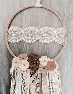 Fall in Love Dream Catcher Fall in love with dreamcatchers Doily Dream Catchers, Dream Catcher Mobile, Dream Catcher Craft, Dream Catcher Boho, Dream Catcher Tutorial, Boho Dekor, Diy Tumblr, Diy And Crafts, Etsy