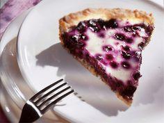 Mustikka-rahkapiiras   Valio Sweet Recipes, Sweet Treats, Baking, Desserts, Food, Tailgate Desserts, Sweets, Deserts, Candy