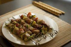 Ricette secondi piatti light, spiedini di tonno fresco e verdure