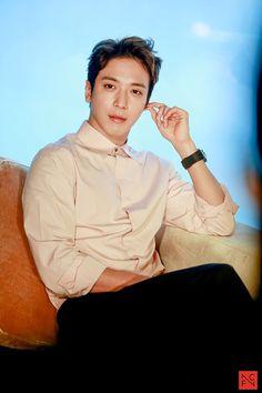 Jung Yong-hwa (정용화) - Picture Gallery @ HanCinema :: The Korean Movie and Drama Database Jung Yong Hwa, Lee Jung, Jung Yoon, Kang Min Hyuk, Lee Jong Hyun, Cnblue Yonghwa, Minhyuk, Asian Actors, Korean Actors