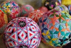 A 92-Year-Old Grandmother Creates A Spectacular Collection Of Temari Spheres --- http://www.flickr.com/photos/nanaakua/tags/temari/