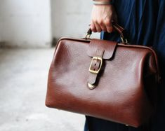 Hand-Stitched with good quality Italian vegetable tanned cow leather, it will age to very great color after you used it - Large volumn,