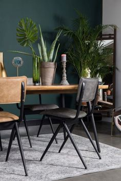 L O V E S H A C K A quick breakfast, relaxed lunch or extensive dinner with hours of dining afterwards: with these # dining room chairs you are in the. Breakfast Bar Table, Diner Table, Interior Design Living Room, Living Room Decor, Esstisch Design, Dinner Room, Style Deco, Mocca, Dining Room Chairs