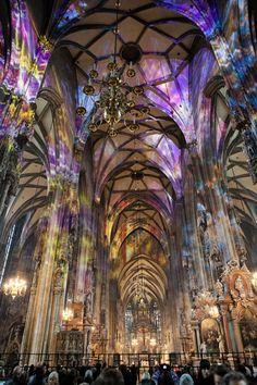AUSTRIA ||||||||| Viena. Catedral de Santo Estêvão, em Viena