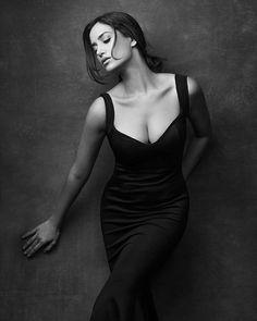 Trendy fashion black and white photography boudoir poses 64 ideas Art Photography Women, Fashion Photography Poses, Fashion Poses, Boudoir Photography, Amazing Photography, Portrait Photography, Photography Lighting, Studio Photography Poses, Photography Accessories