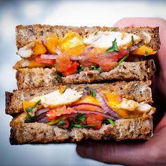 Este viernes lanzamos y te invitamos a un sandwich INCREBLEhellip