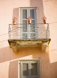 Lake Como Architecture   photography by http://aliharperphotography.com/blog/