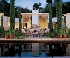 modernhomeslosangeles: John Elgin Woolf, Architect . This link leads to a map of all his homes in Los Angeles.