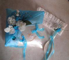 coussin alliances mariage en satin ivoire et drapé organza turquoise, orchidées