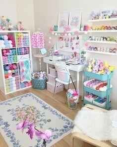 40 Art Room And Craft Room Organization Decor Ideas - artmyideas Study Room Decor, Craft Room Decor, Craft Room Storage, Craft Organization, Bedroom Decor, Craft Rooms, Yarn Storage, Organization Ideas, Office Organisation