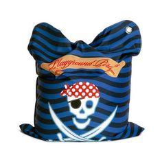 SittingBullMiniBullzitzak De Mini FashionBullzitzak met Pirates Playground print is comfortabel maar ook duurzaam, driedubbel gestikt, kindvriendelijk, waterafstotend, UV-bestendig en gemaakt van ademende en extreem sterke stof. Dit maakt deSittingBullMiniBullde zitzak voor kinderen. Met deze zitzak kun je elke kinderkamer de finisching touch geven en over de kwaliteit valt niet te twisten. Je kind kan zorgeloos spelen en relaxen, heerlijk bijkomen na school, lekker gamen met vrienden of…