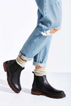 H By Hudson Wistow Chelsea BootYou can find Chelsea boots and more on our website.H By Hudson Wistow Chelsea Boot Fashion Models, Fashion Shoes, Fashion Outfits, Looks Vintage, Mode Style, Buy Shoes, Sock Shoes, What To Wear, Winter Fashion