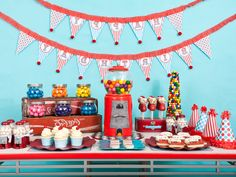 Flavorful Gumball Party - DIY Favors and Decorations for Kids' Birthday Parties on HGTV Birthday Fun, Birthday Party Themes, Birthday Ideas, Retro Birthday, Birthday Bunting, Ball Birthday, Birthday Favors, Birthday Cake, Candy Party