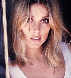Sharon Tate, photographed by Curt Gunther at her Santa Monica beach house in ⠀⠀⠀⠀⠀⠀⠀⠀⠀⠀⠀⠀ Special thanks to for… Hollywood Actresses, Old Hollywood, Classic Hollywood, Sharon Tate, Ethereal Beauty, Timeless Beauty, Classic Beauty, Vintage Beauty, Most Beautiful Women