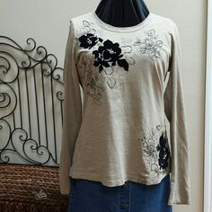 I just added this to my closet on Poshmark: Top.  Size: L