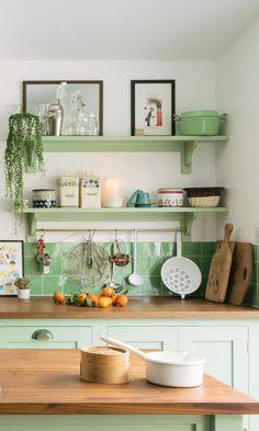 Impressive Kitchen Interior Paint Colors Gallery - Kitchen Interior Paint Colors and Best Kitchen Paint Colors - Ideas For Popular Kitchen Colors - Popular Kitchen Colors, Best Kitchen Colors, Kitchen Paint Colors, Paint Colours, Room Colors, House Colors, Vibrant Colors, Paint For Kitchen Walls, Painting Kitchen Cabinets