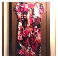 NEW! 100% Silk Citrine Multi-colored Dress NEW! 100% Silk Citrine Multi-colored Dress. Also fully lined.  Tags still on. Size is XS but fits 6-8. Very forgiving. Citrine Dresses Midi
