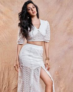 Bollywood Actress Kiara Advani 's Latest & hot images, Pictures, wallpapers Bollywood Photos, Indian Bollywood Actress, Bollywood Girls, Beautiful Bollywood Actress, Most Beautiful Indian Actress, Bollywood Celebrities, Bollywood Fashion, Beautiful Actresses, Bollywood Style