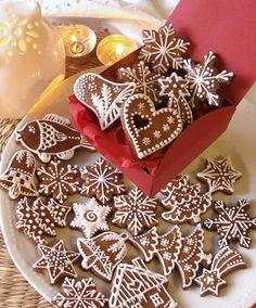 Christmas Snacks, Christmas Baking, Christmas Cookies, Christmas Time, Gingerbread Decorations, Gingerbread Cookies, Cookie Jars, Cookie Decorating, Healthy Snacks