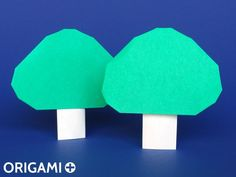 How to Make an Easy Origami Tree that Stands - DIY Paper Tree How to make an origami Tree. Step-by-step instructions with photos and video. Origami Tree, Origami Tutorial, Origami Easy, Origami Simple, Papier Diy, Origami Models, Paper Tree, Diy Paper, Halloween