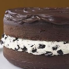 Watch everyone's eyes light up when you bring out this fantastic cake, made to look like a giant-size OREO Cookie. The best part? It tastes as good as it looks!