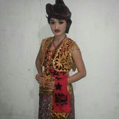 costume remo dancer Java Indonesia