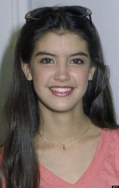 Phoebe Cates (US) Phoebe Cates Kline (born Phoebe Belle Cates; July 16, 1963), better known as Phoebe Cates, is an American film actress, model, and entrepreneur. She is known for her roles in several 1980s films, most notably Fast Times at Ridgemont High and Gremlins.