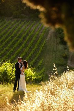 Tuscany is a beautiful region in Italy, famous for its culture, history and monuments. If you are looking for a place for your destination wedding, or just want some inspiration – take a look at Tuscany! Oh, these romantic...