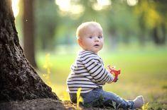 Beste Aussichten für kleine Sitzanfänger | Klappt es mit dem Sitzen schon - oder noch nicht so richtig? Was, wenn Ihr Baby keine Lust mehr hat, immer nur aus der Horizontalen zu gucken? Und wie viel Sitzen ist eigentlich okay für Ihr Baby? Und: Wir stellen Ihnen die schönsten, schicksten und praktischsten Hochstühle vor.