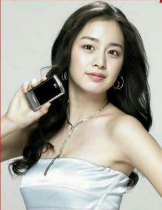 Korean Actress Kim Tae Hee Sexy Kim Tae Hee Fashion, Yoon Eun Hye, Korean Shows, Kdrama Actors, K Beauty, Korean Actresses, Camisole Top, Tank Tops, Sexy