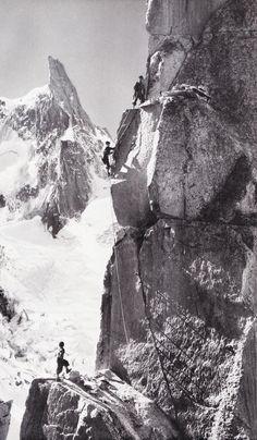 """""""Ils ne savaient pas que c'était impossible, alors ils l'ont fait"""" Mark Twain Alpine Climbing, Mountain Climbing, Rock Climbing, Mark Twain, Everest, Chamonix Mont Blanc, Himalaya, Photo Vintage, Extreme Sports"""