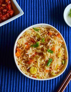 Schezwan fried rice!  Recipe @ http://cookclickndevour.com/schezwan-fried-rice-recipehow-to-make-schezwan-fried-rice-indo-chinese-recipes  #cookclickndevour #vegan #ricerecipes #indianfoodrecipes