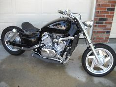 Honda Magna With A Hard Tail Using Solid Struts Looks Stretched Bit Too Still Nice Lines