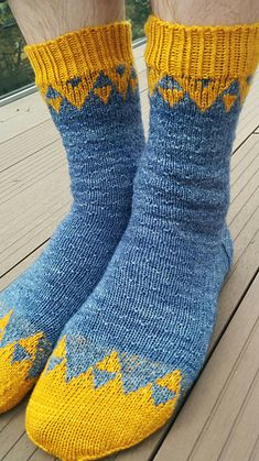 Knitting Patterns Socks Ravelry: Rainy night pattern by Scarlet Plume Baby Knitting Patterns, Knitting Charts, Knitting Designs, Knitting Socks, Knitting Projects, Hand Knitting, Knitted Hats, Crochet Patterns, Knit Socks
