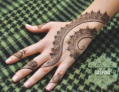Simple vine henna design