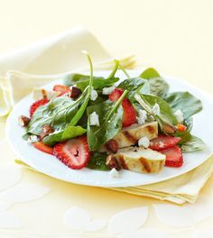 Spinach Salad with Cinnamon Almonds, Strawberries and Goat Cheese (Yummy - but left the garlic out of the dressing) Spinach Strawberry Salad, Spinach Salad, Diet Recipes, Vegetarian Recipes, Healthy Recipes, Diet Meals, Healthy Meals, Spiced Nuts, Cinnamon Almonds