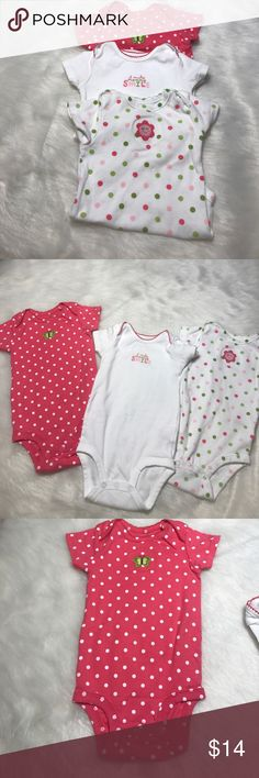 🎀CARTER's bodysuits (3). Baby Girl Size 12 MOS🎀 🎀CARTER's bodysuits (3). Baby Girl Size 12 MOS🎀. Excellent Condition all of them are like New!  Bundle to save more on kids clothes 😊 Carter's One Pieces Bodysuits