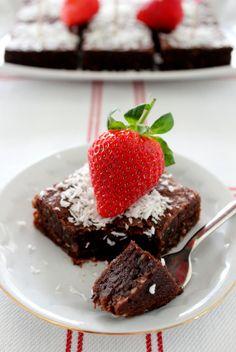 Wicked sweet kitchen: Kookos mutakakku - Swedish muc cake with coconut